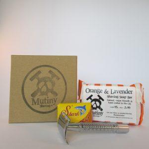 Shaving kit consisting of safety razor and shaving soap