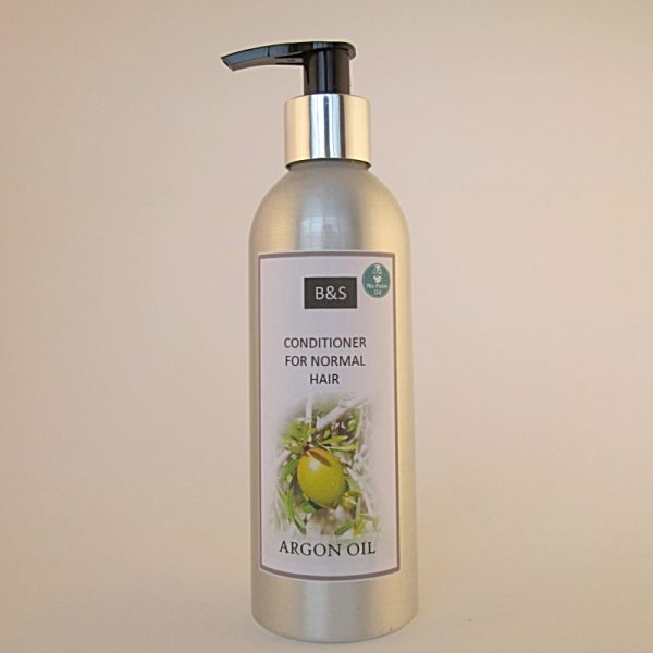 Natural low waste conditioner by Bain and Savon for normal hair.