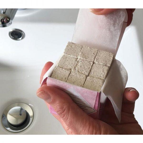 Vegan plastic free shampoo cubes by Beauty Kubes